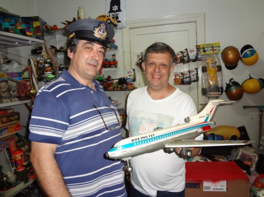 Na sala do amigo Edilson com o BOEING 727 japonês.