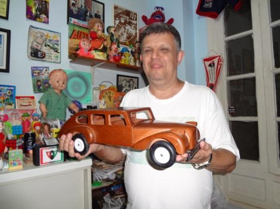 Com o mais novo item da coleção, a réplica comemorativa da Limousine de 50 anos Estrela.